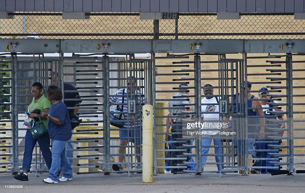 Uaw Local 276 Members Walk Off The Job At The General Motors
