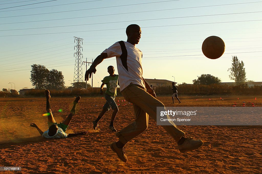 Kids Football in Soweto-2010 FIFA World Cup : News Photo