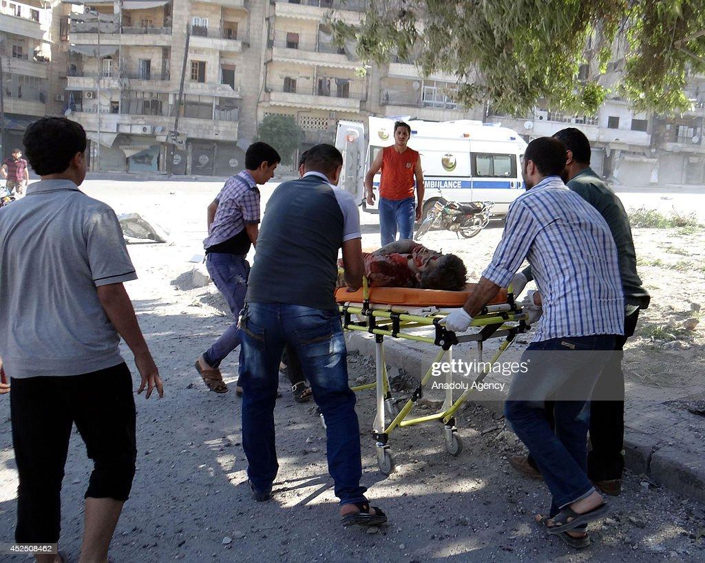 Syrian barrel bomb kills 10 in Aleppo : News Photo