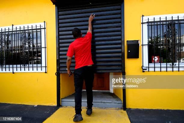 economía local de los barrios de filadelfia - acabar fotografías e imágenes de stock
