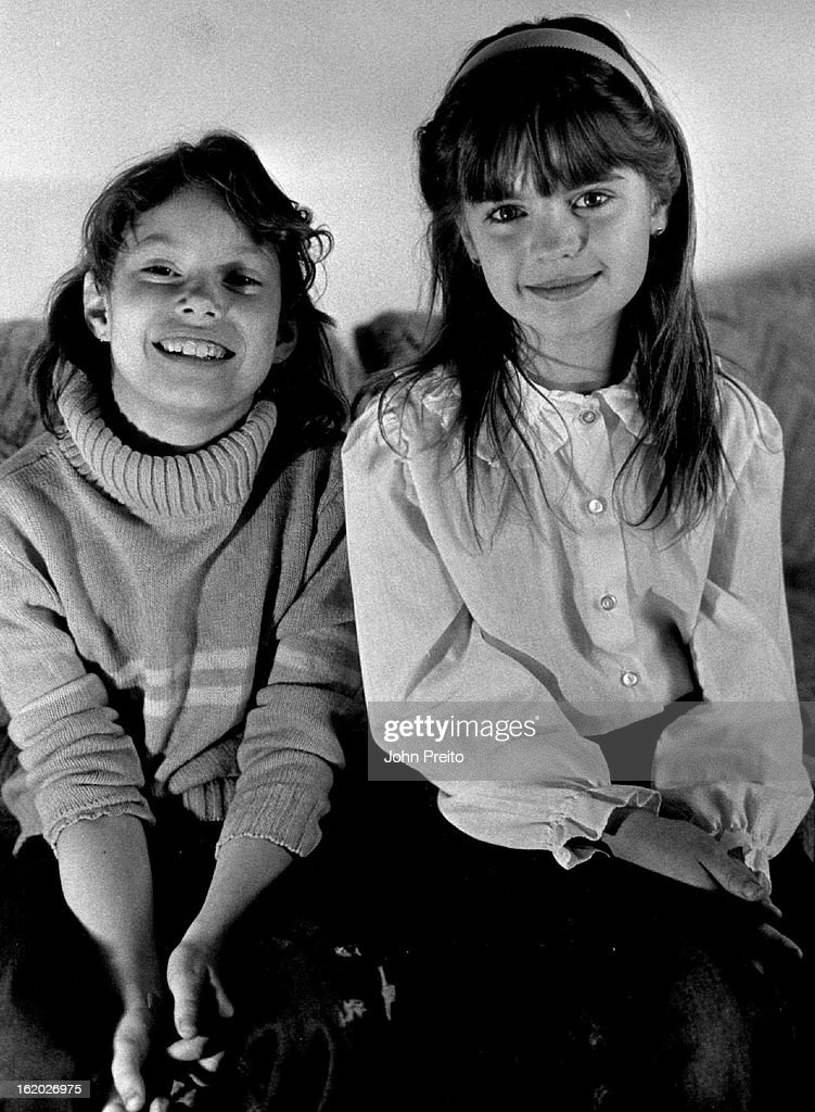 3/12/1986, MAR 17 1986; Local Hero Feature, 2,9 Year Old Girls Alert Family to Fire. L to R Samatha  : Foto jornalística