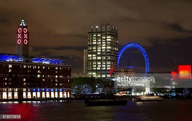 local landmarks - ロンドン サウスバンク ストックフォトと画像
