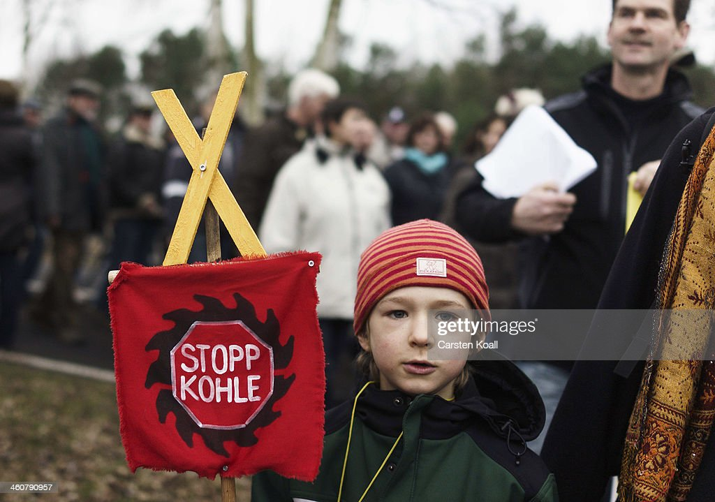 Villagers Protest Against Coal Mine Expansion : News Photo