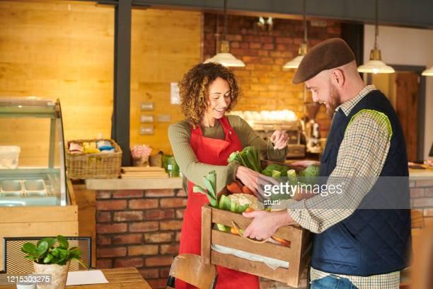 地元の季節の食材 - 食物連鎖 ストックフォトと画像