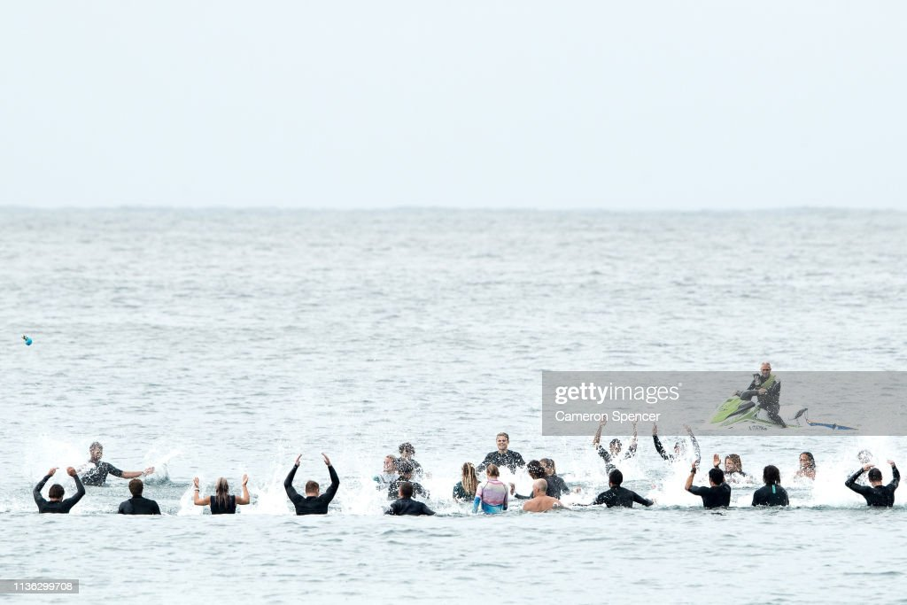 AUS: International Surfers Remember Victims Of Christchurch Mosque Attacks