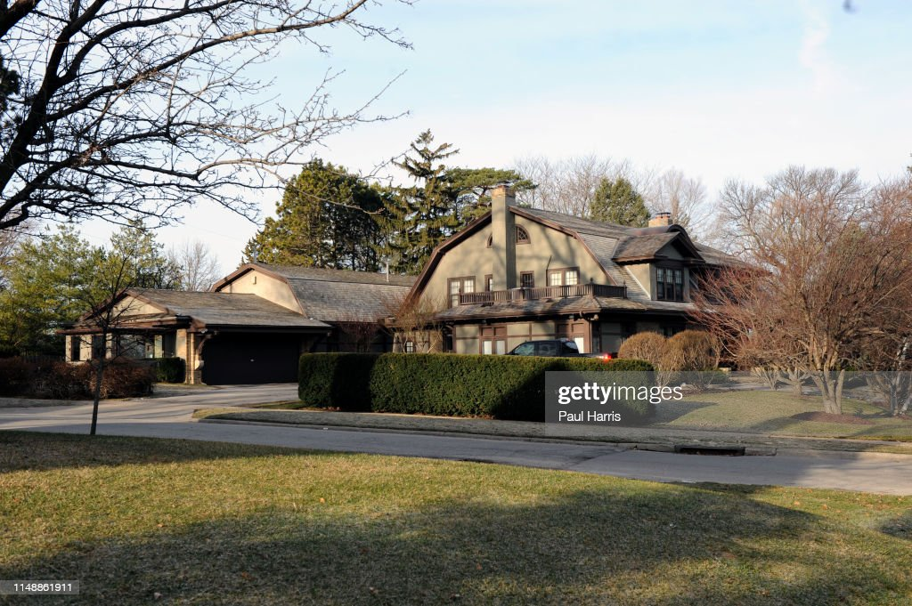 Warren Buffett is still happy to live in the same house he bought the home in 1958 for $31,500. : News Photo