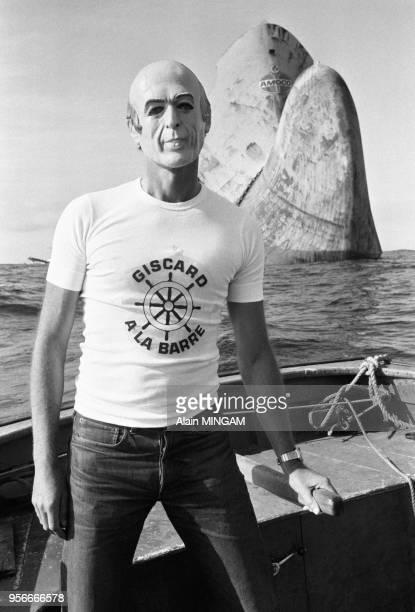 A l'occasion de la venue du président Valéry Giscard d'Estaing un marinpêcheur au chomage conduit les touristes sur les lieux de l'épave de l'Amocco...