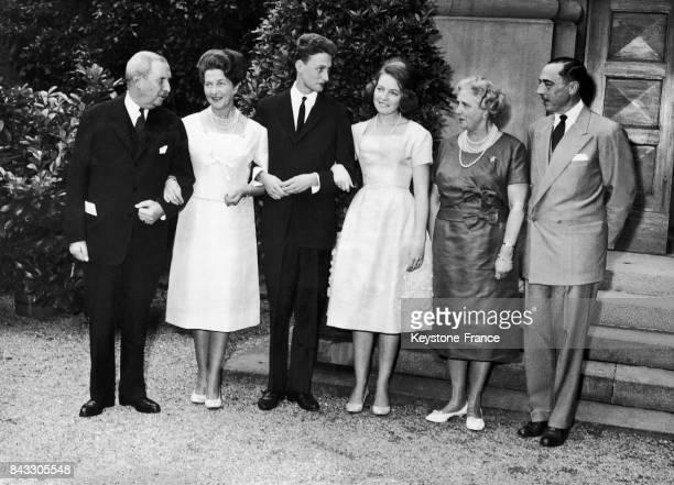 A l'occasion du mariage de Diane d'Orléans et de Charles II de Wurtemberg voici une photo de famille les parents du marié Philippe Albert de...