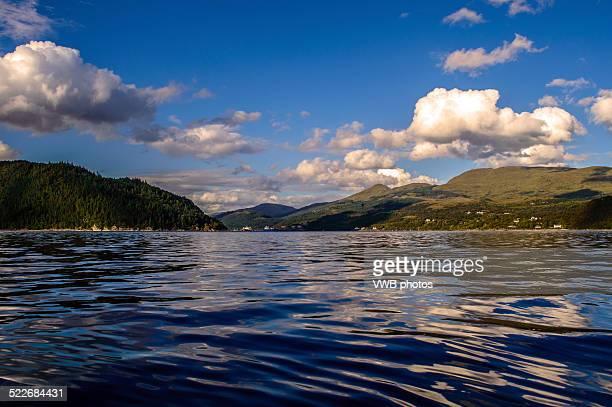 loch long cloudscape - land in sicht stock-fotos und bilder