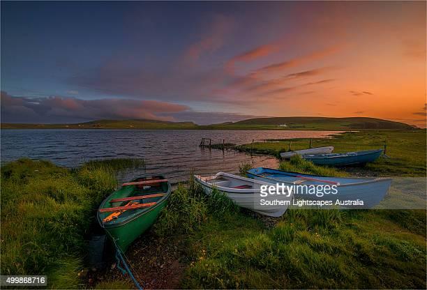 loch spiggie, shetland islands, scotland - isole shetland foto e immagini stock