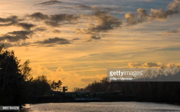 lock keeper cabin sunset - william mevissen foto e immagini stock