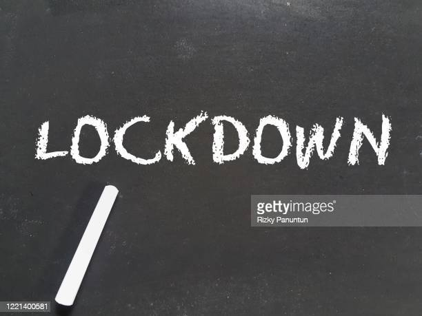 lockdown message on blackboard - single word stock pictures, royalty-free photos & images
