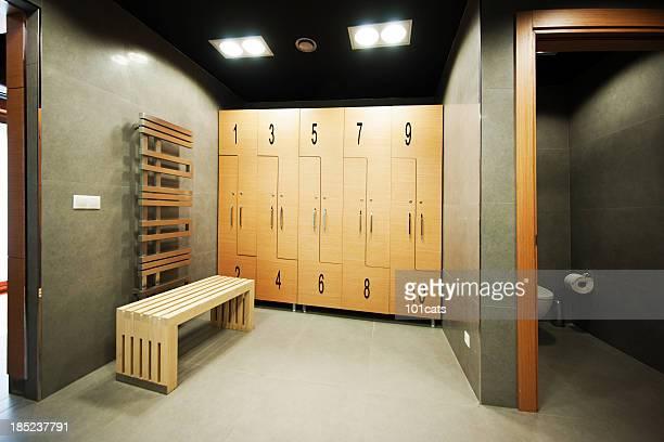 Umkleideraum room