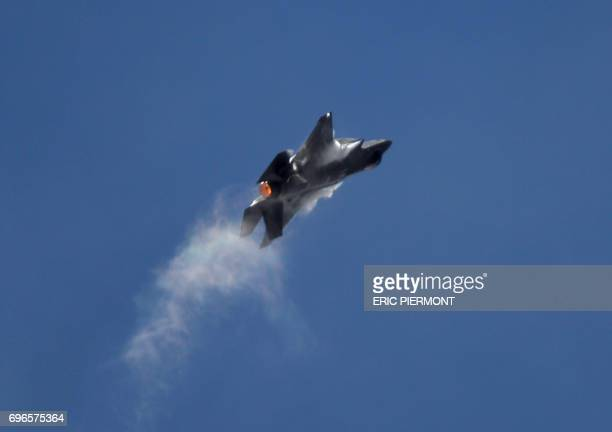 Lockheed Martin F-35 jetfighter performs during a demonstration in Le Bourget on June 16, 2017 prior to the opening of the International Paris Air...