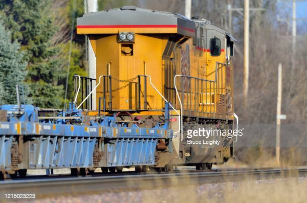 locomotive leads freight train - geneva illinois stock pictures, royalty-free photos & images