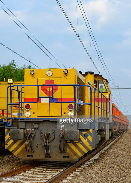 """locomotive pulling freight cars - """"sjoerd van der wal"""" or """"sjo"""" stock pictures, royalty-free photos & images"""