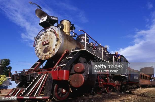 locomotive vapeur Baldwin sur la ligne entre Trinidad et l'hacienda Manaca Iznaga en gare de trinidad
