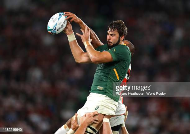 Lodewyk De Jager of South Africa and Michael Leitch of Japan compete for the ball in the lineout during the Rugby World Cup 2019 Quarter Final match...