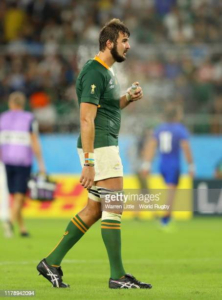 Lodewyk De Jager of South Africa uses a cooling spray during a rehydration break during the Rugby World Cup 2019 Group B game between South Africa v...