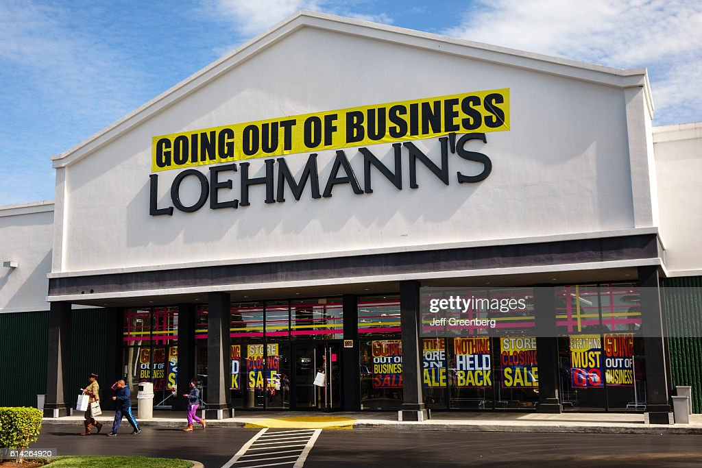 Loehmann's front entrance with going out of business banner. : News Photo