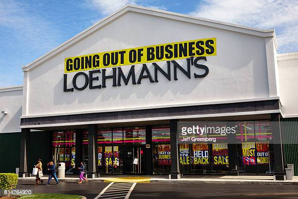 Loehmann's front entrance with going out of business banner