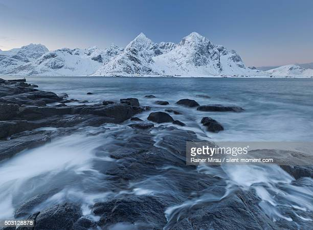 lofoten in winter - wasser imagens e fotografias de stock
