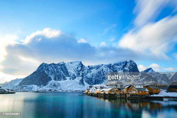 lofoten islands in northern norway - coastline stock pictures, royalty-free photos & images