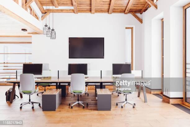 ロフトオフィスインテリア - スタイリッシュ ストックフォトと画像