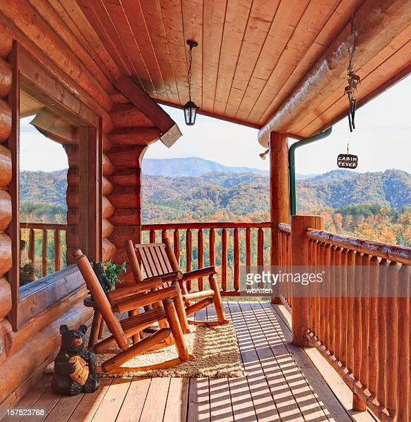 Blockhütte mit Blick auf den Smoky Mountains