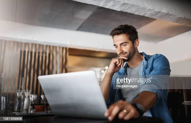 log in and get it done - attività foto e immagini stock
