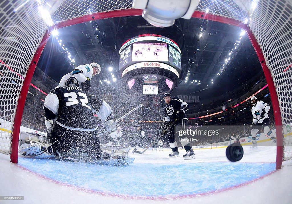 San Jose Sharks v Los Angeles Kings - Game Five : Fotografía de noticias