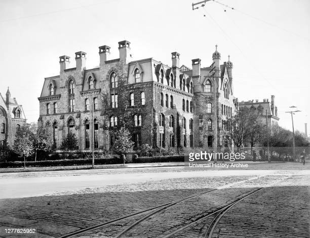 Logan Hall, University of Pennsylvania, Philadelphia, Pennsylvania, USA, Detroit Publishing Company, 1901.