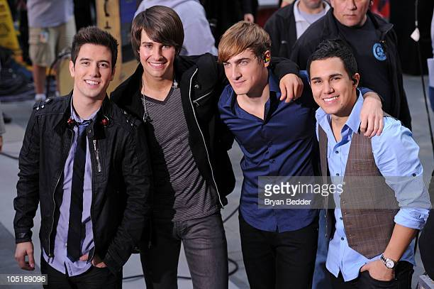 Logan Henderson James Maslow Kendall Schmidt and Carlos Pena of Nickelodeon's Big Time Rush appear on the Today Show at Rockefeller Center on October...