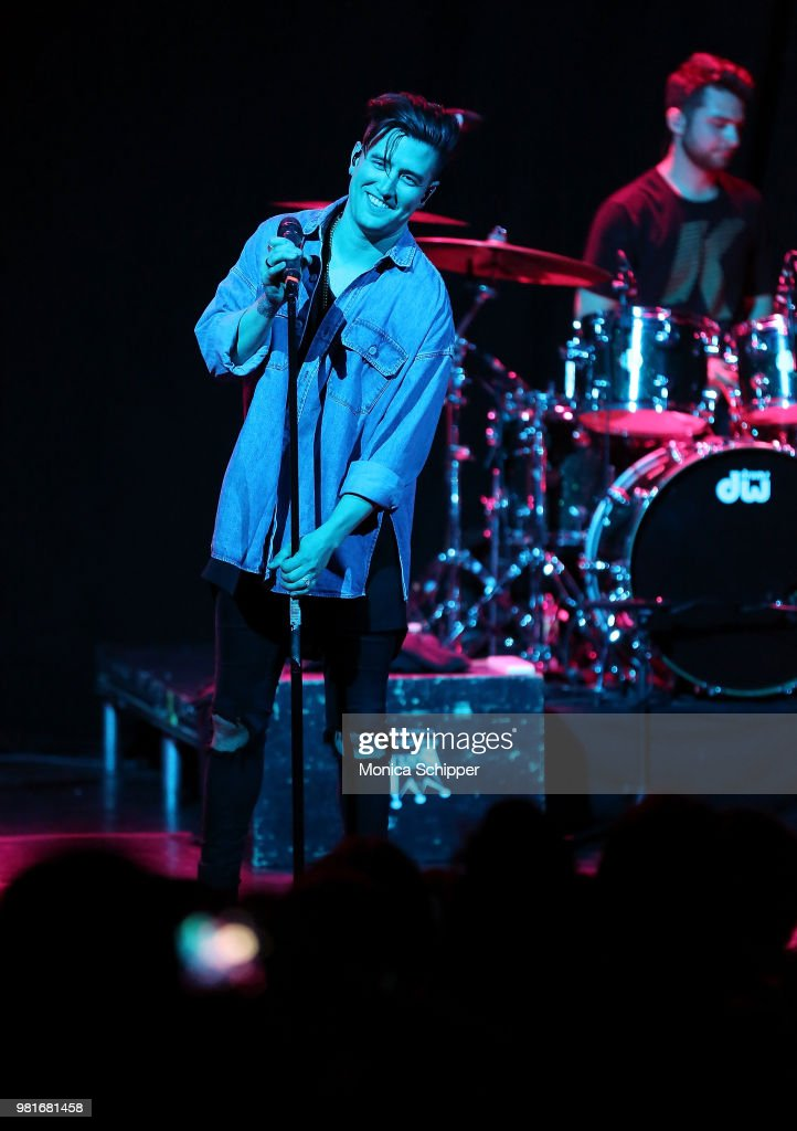 Logan Henderson In Concert - New York City