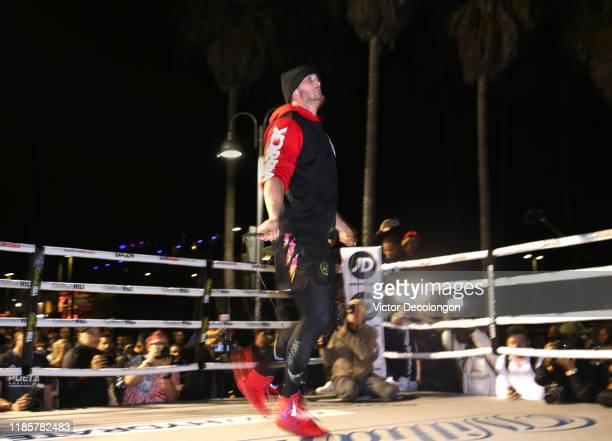 Logan Paul works out at Venice Beach ahead of KSI vs Logan Paul 2 on November 05 2019 in Venice California KSI vs Logan Paul 2 will be held on...