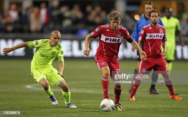 Logan Pause of the Chicago Fire dribbles against the Seattle Sounders FC during the 2011 Lamar Hunt US Open Cup Final at CenturyLink Field on October...