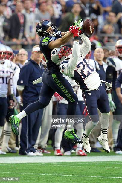 Logan Ryan of the New England Patriots defends a pass intended for Jermaine Kearse of the Seattle Seahawks in the second quarter during Super Bowl...