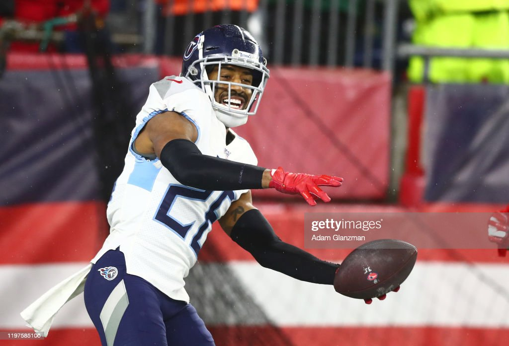 Wild Card Round - Tennessee Titans v New England Patriots : News Photo
