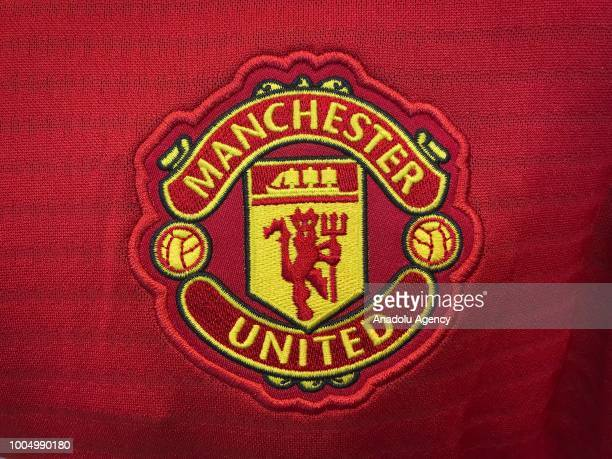 Manchester United Logo Pictures And Photos