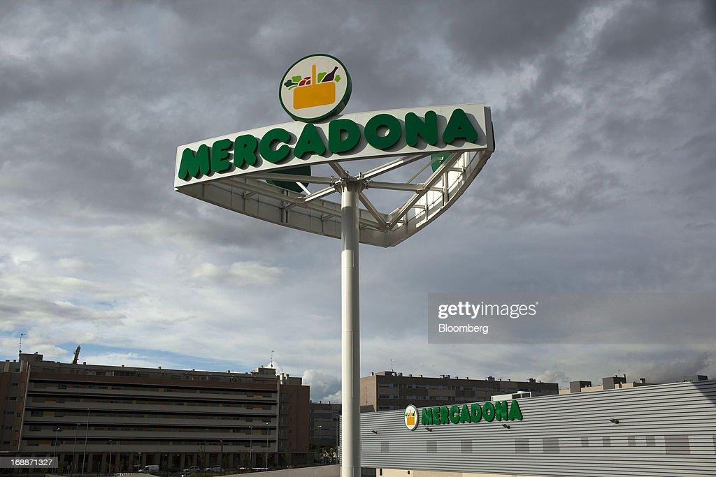 Mercadona SA Spain's Largest Supermarket Chain As Company Creates Jobs : News Photo