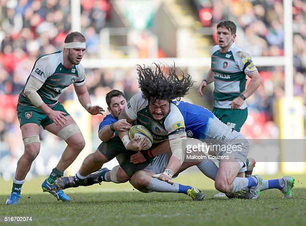Logovi'i Mulipola of Leicester Tigers runs with the ball during the Aviva Premiership match between Leicester Tigers and Saracens at Welford Road...