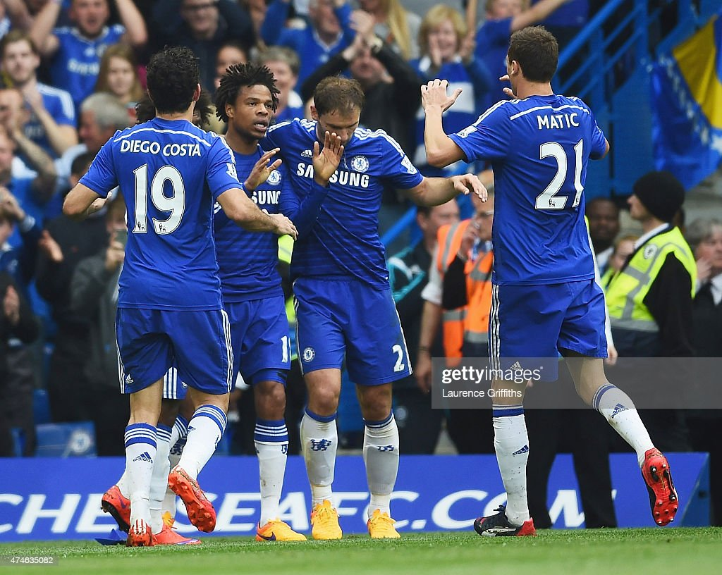 Loic Remy (2nd L) of Chelsea celebrates scoring a goal with his team mates during the Barclays Premier League match between Chelsea and Sunderland at Stamford Bridge on May 24, 2015 in London, England.