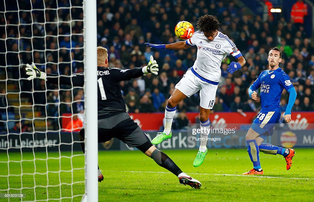Loic Remy of Chelsea heads the ball past Kasper Schmeichel of Leicester City to make it 2-1 during the Barclays Premier League match between Leicester City and Chelsea at the King Power Stadium on December 14th , 2015 in Leicester, United Kingdom.