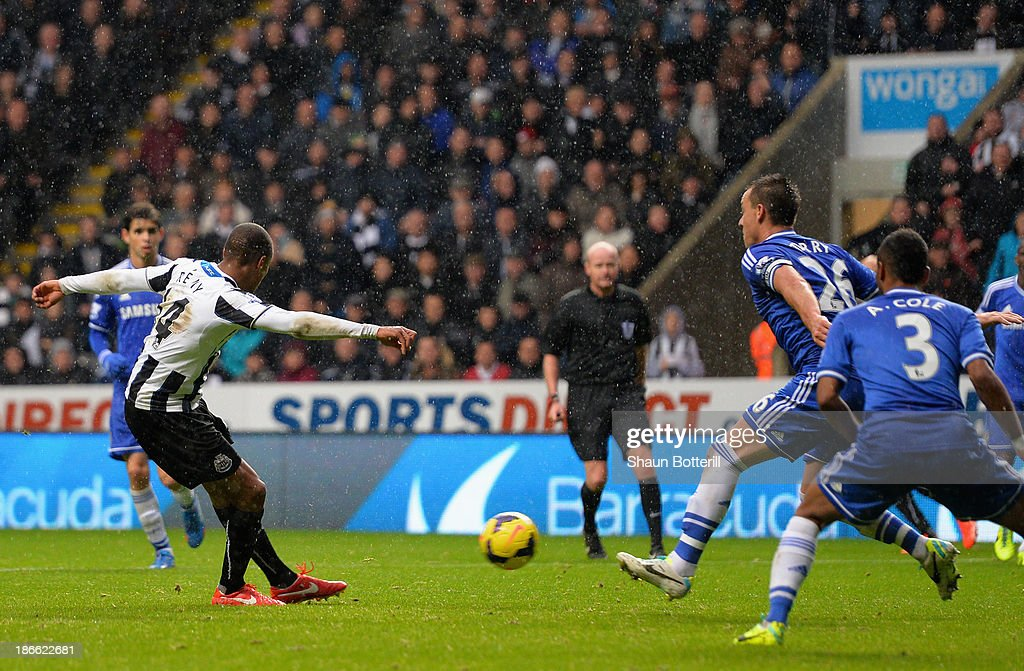 Loic Remy of Newcastle United scores their second goal during the Barclays Premier League match between Newcastle United and Chelsea at St James' Park on November 2, 2013 in Newcastle upon Tyne, England.