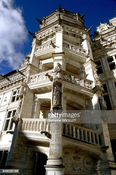 the castle of Blois The spiraling stairway in the François I wing combines the French tradition with Italian influence Particularly remarkable are...