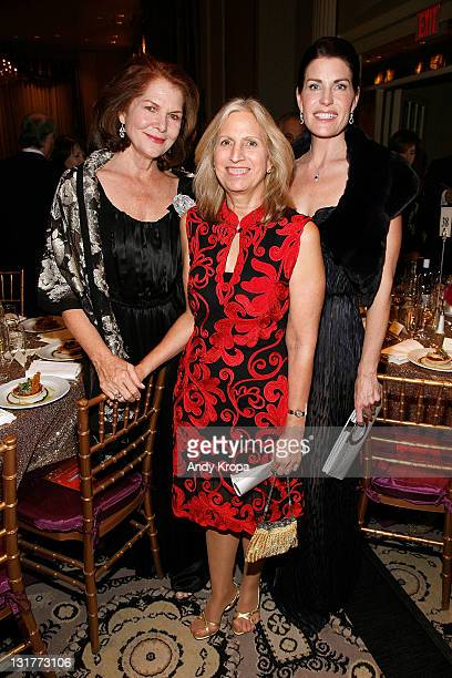 Lois Chiles NewYork Historical Society President Louise Mirrer and Diana DiMenna attend the 2011 NewYork Historical Society History Makers Awards at...