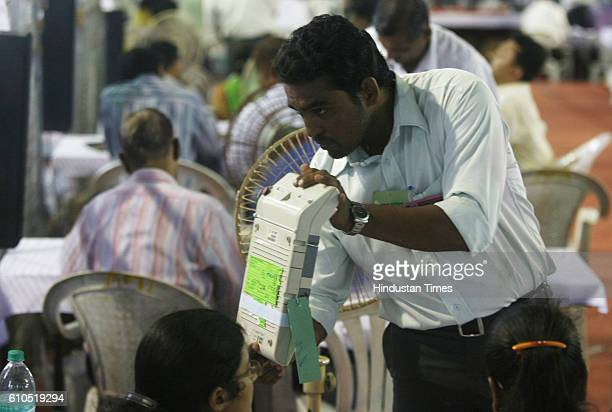 Lok Sabha Election 2009 Results Votes Counting Voting Machine EVM being brought at Godrej Centre Vikhroli for counting of the results of Mumbai North...