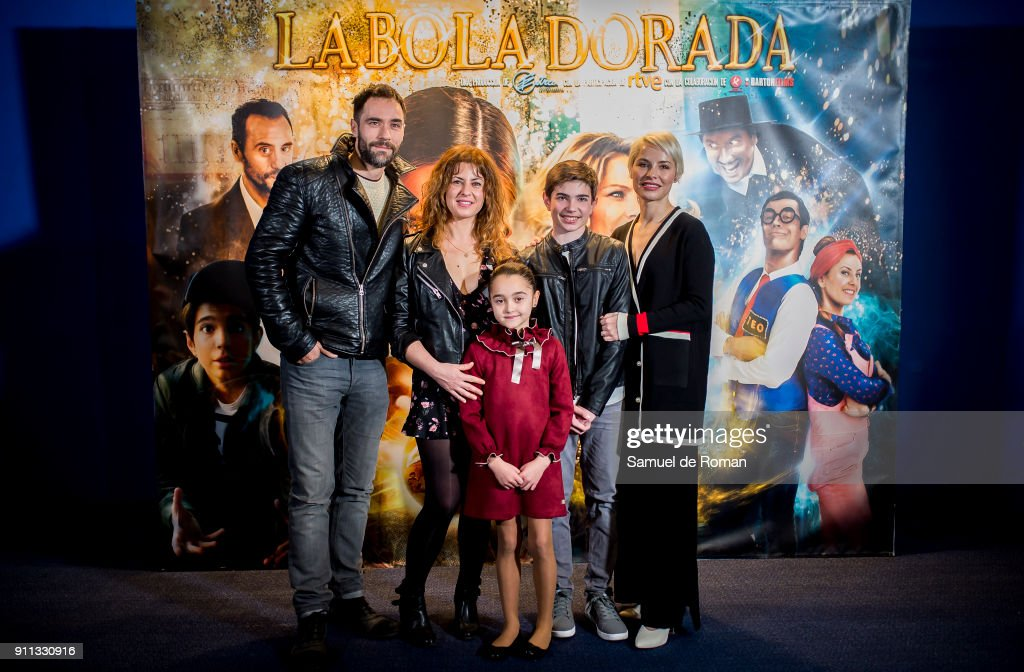 Lola Alvarez, Simon Ferrero, Jose antonio Lucia, Ana Rodriguez and Soraya Arnelas attend the 'La Bola Dorada' Madrid Premiere on January 28, 2018 in Madrid, Spain.