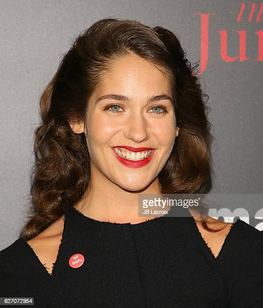 Lola Kirke attends a screening event for Amazon's 'Mozart in the Jungle' on December 01, 2016 in Los Angeles, California.