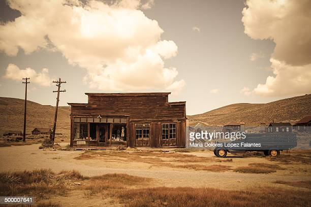 Lola L.Falantes[UNVERIFIED CONTENT] Store and camion at Bodie, a mining ghost town.